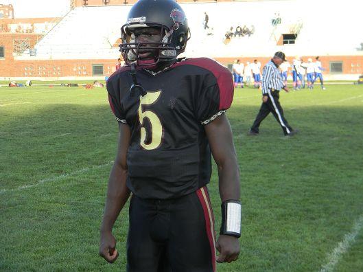 Titan quarterback Antonio Walton. Photo credit: Todd Thomas